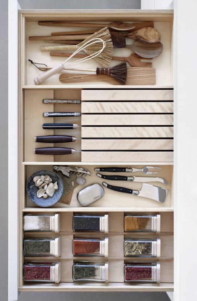 Tiroir : rangement d'accessoires de cuisine